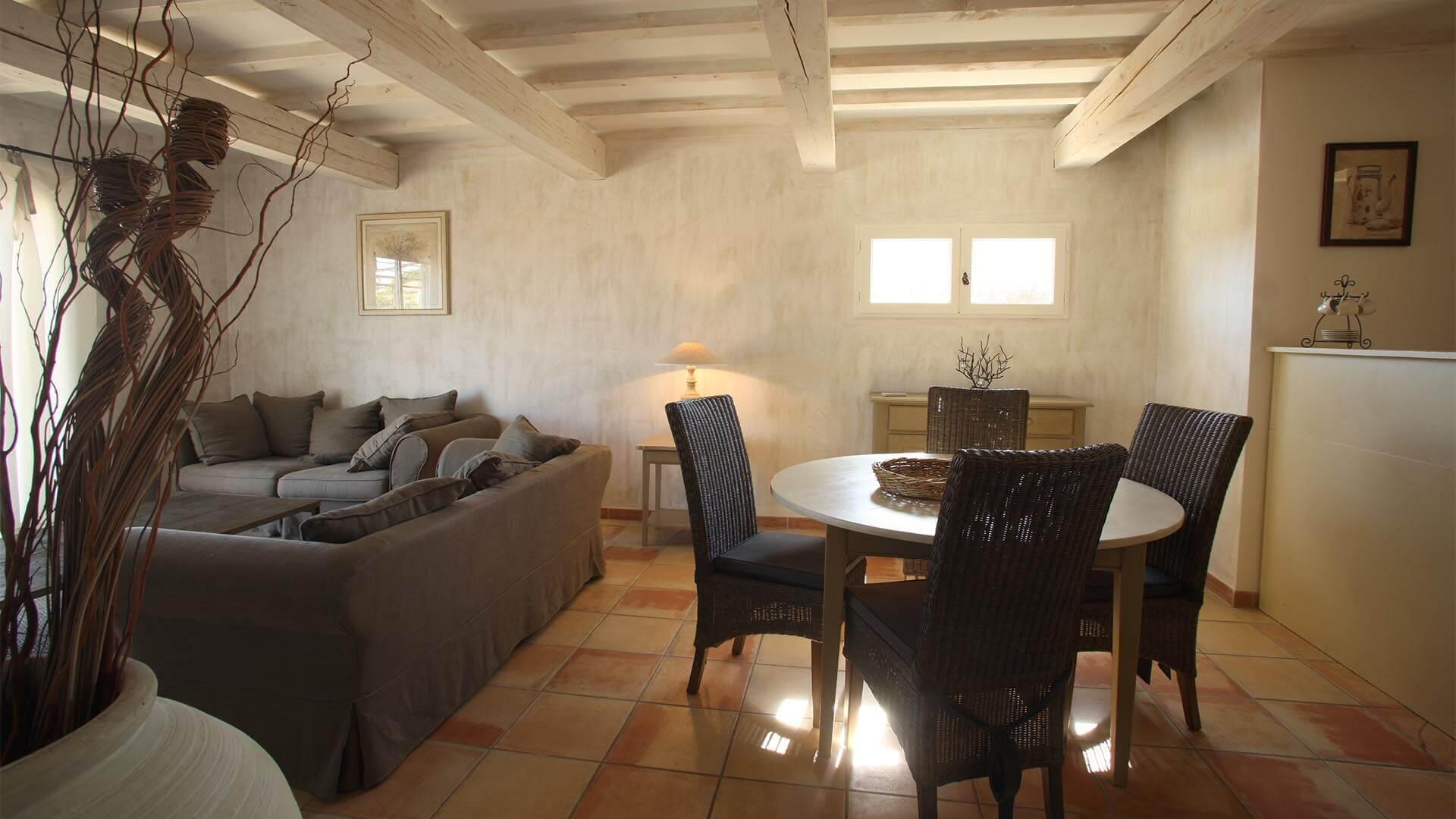 Villa à louer vacances Luberon | Villa terre d'orange | T3 avec salon climatisé