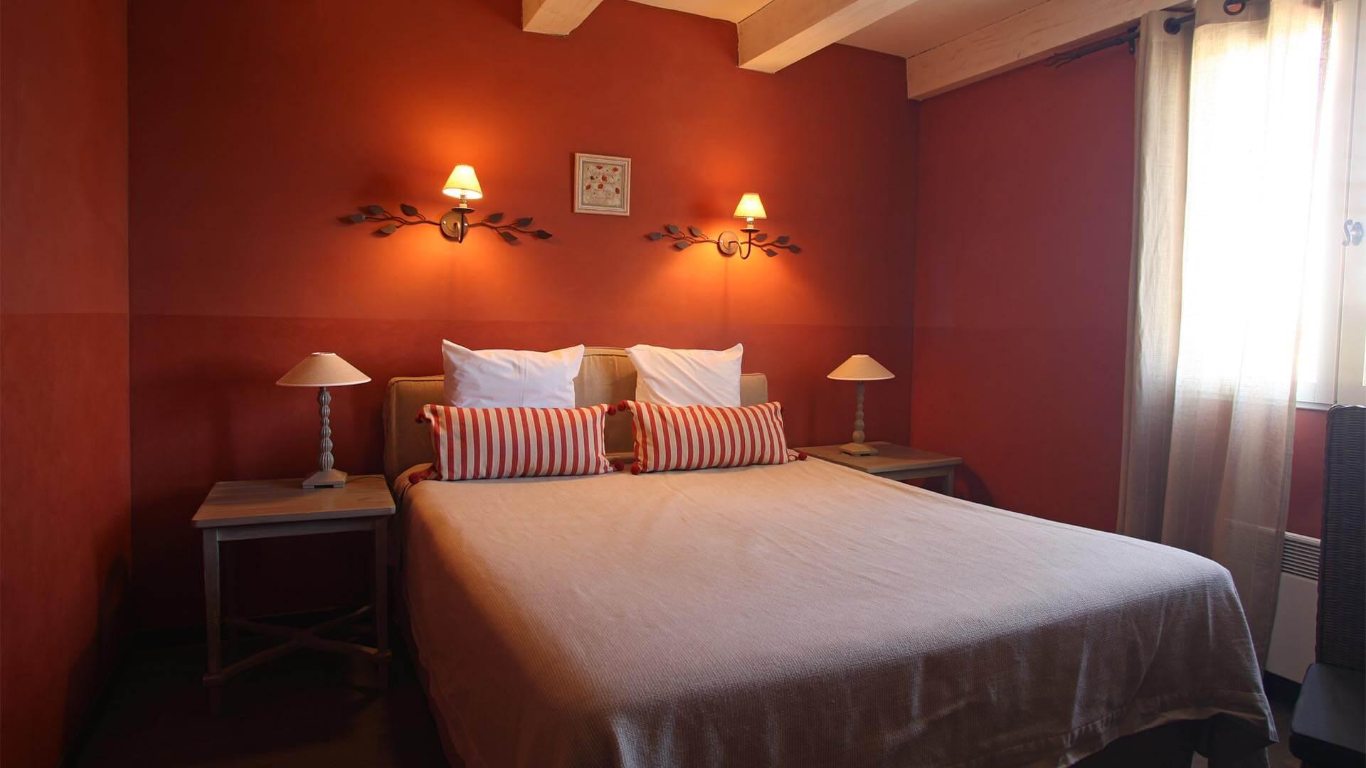 Location saisonnière maison 04 | Villa terre d'orange | Chambre de charme lit double