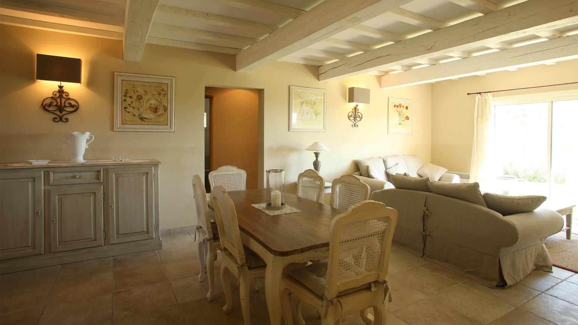 Location vacances Luberon | Villa le mûrier blanc | T4 avec salon climatisé