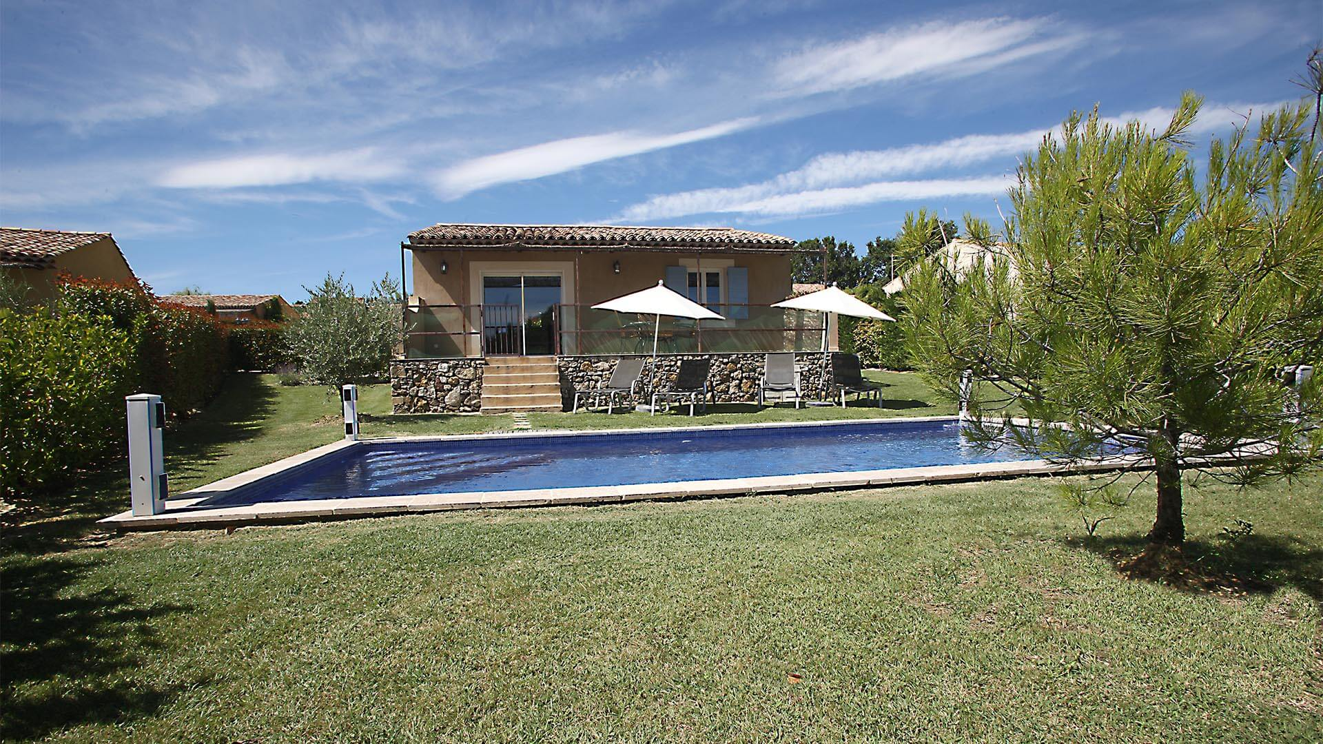 Rent holiday 2 bedroom villa in Haute Provence | Villa terre nature | Garden and pool