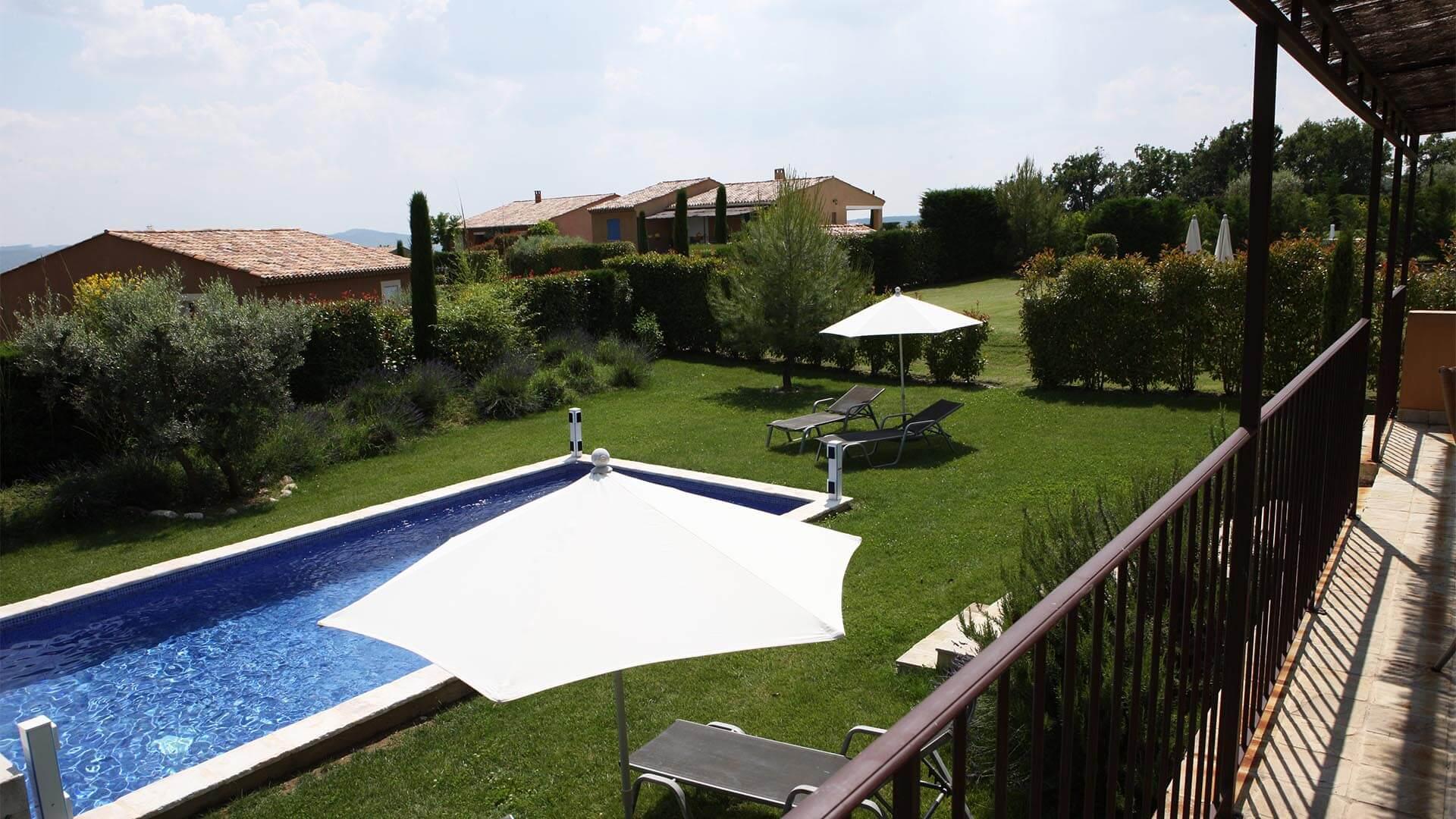 Villa à louer vacances Provence | Villa terre d'orange | Terrasse, jardin et piscine