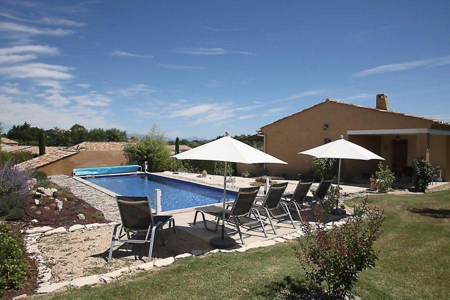 Villa à louer vacances Forcalquier | Villa terre d'ocre | Jardin privatif avec piscine