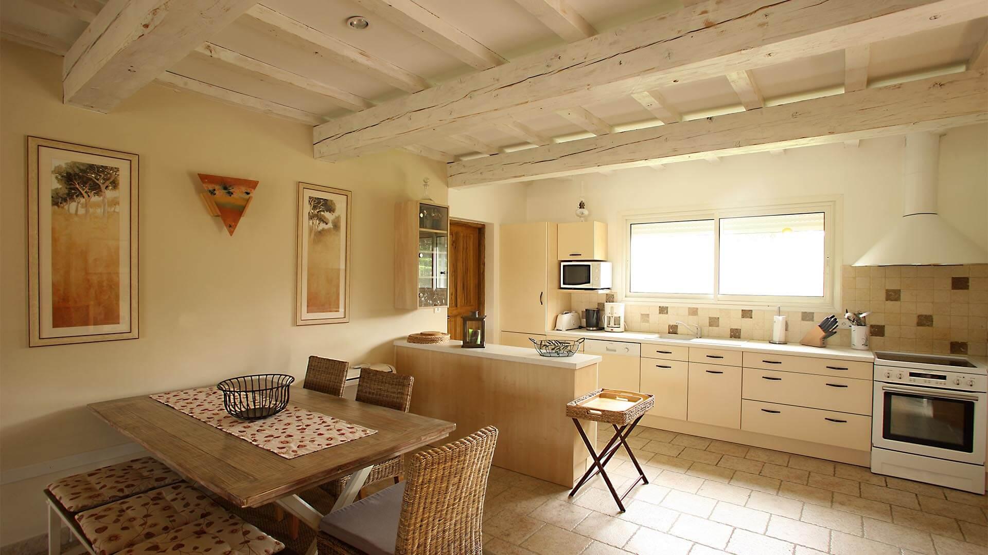 Villa à louer vacances Alpes de Haute Provence | Villa terre d'ocre | Cuisine américaine