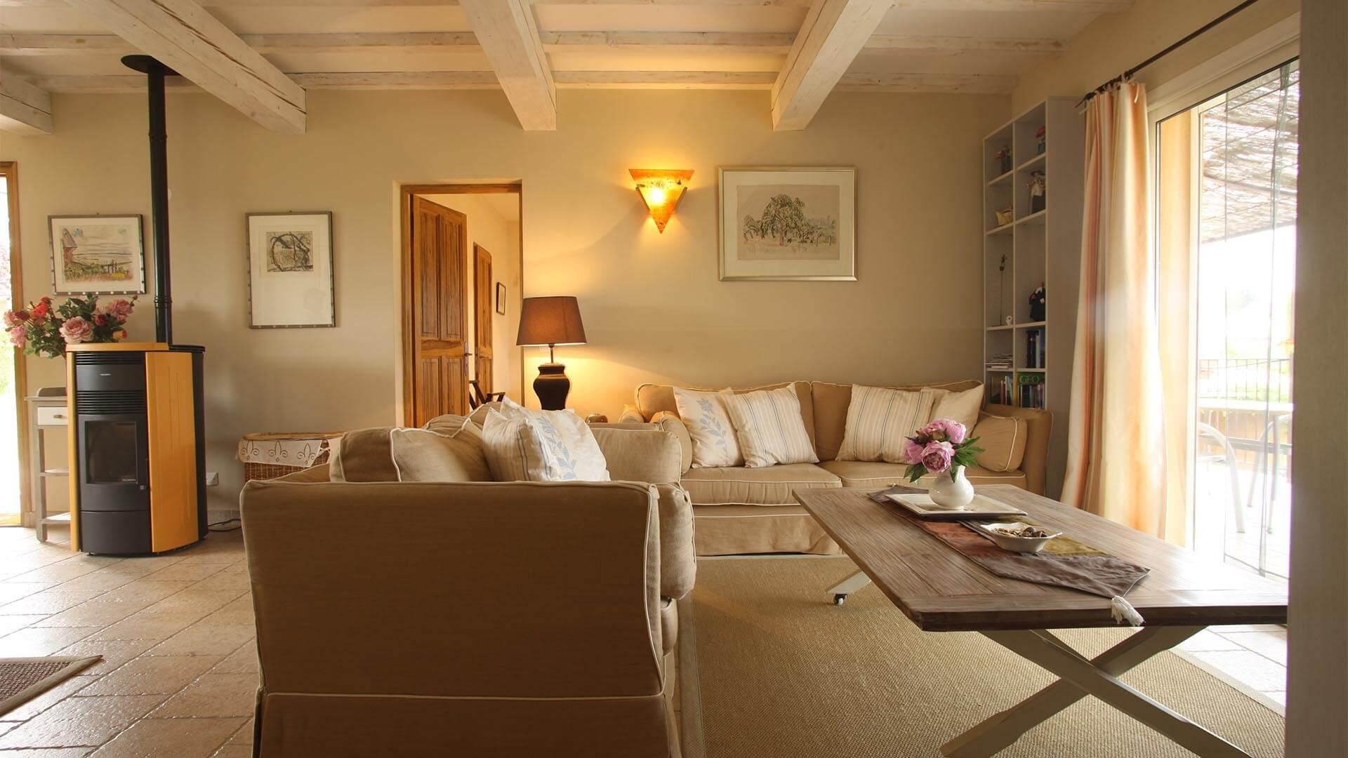 Villa à louer vacances Haute Provence | Villa terre d'ocre | Salon climatisé