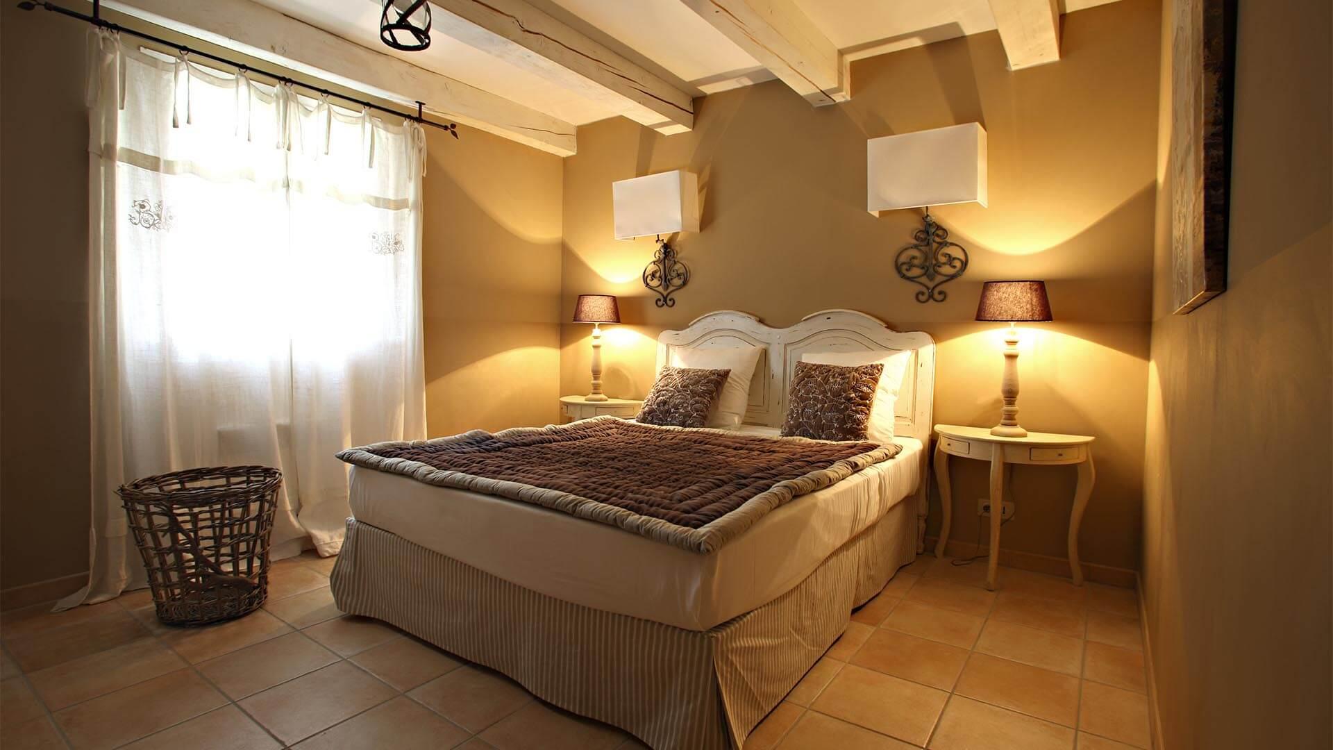 Location maison de vacances Alpes de Haute-Provence | Villa sous la tonnelle | Chambre double raffinée