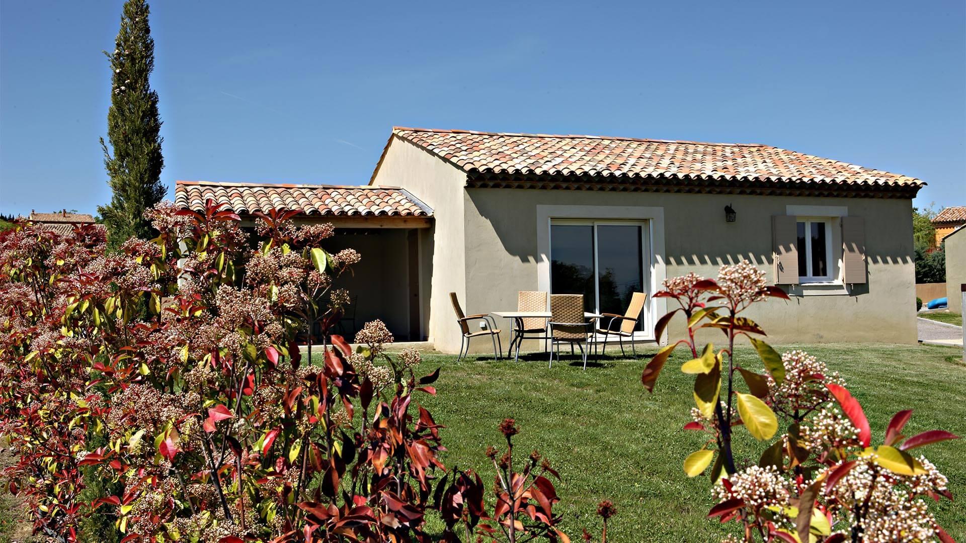 Location maison de vacances Luberon | Villa la source | Jardin privatif et terrasse