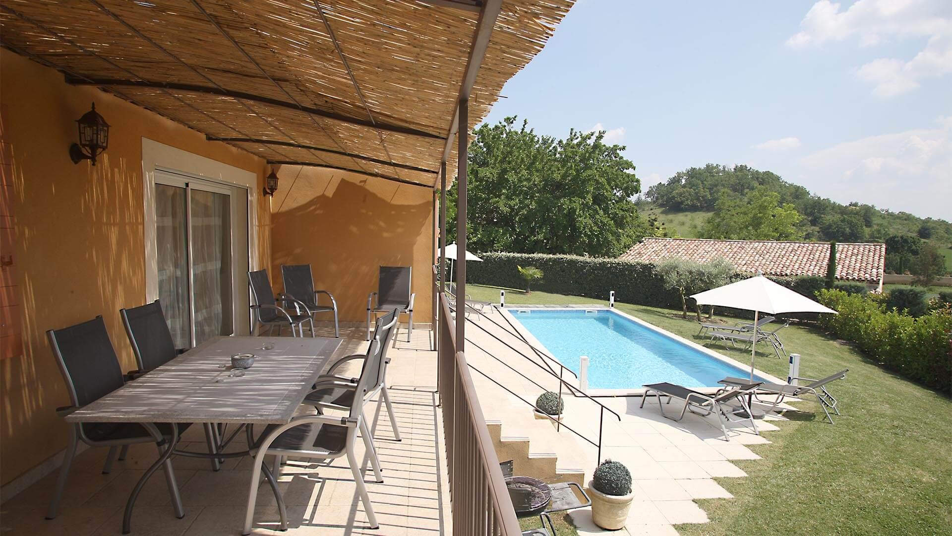 Location villa de vacances Provence | Villa les oliviers | Terrasse, piscine et jardin
