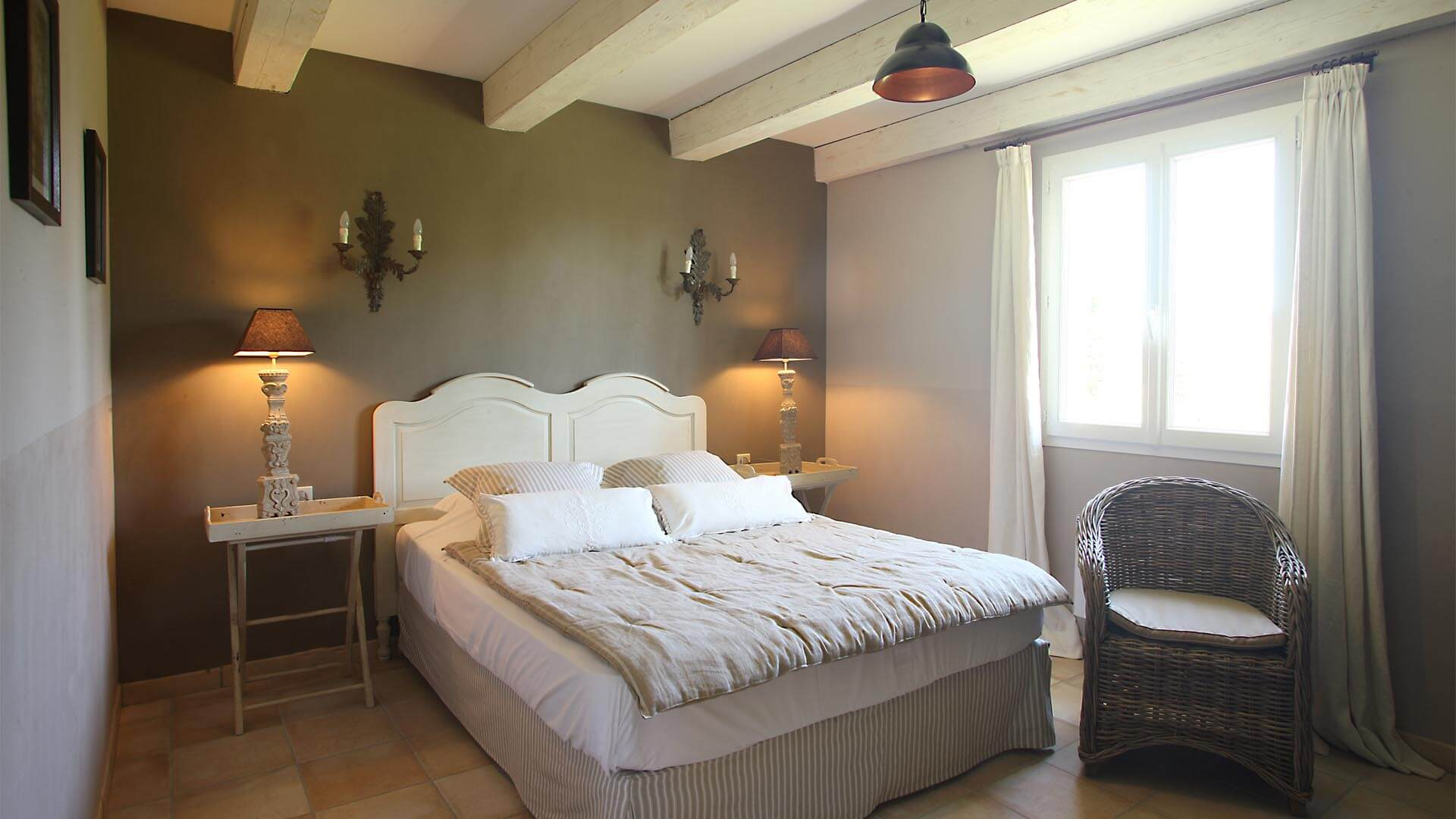 Location saisonnière Forcalquier | Villa la source | Chambre lit double