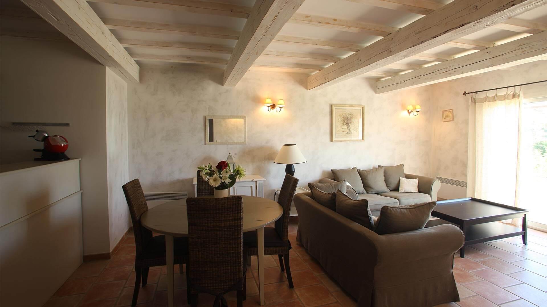 Location saisonnière maison Provence | Villa les tournesols | Salon, salle à manger