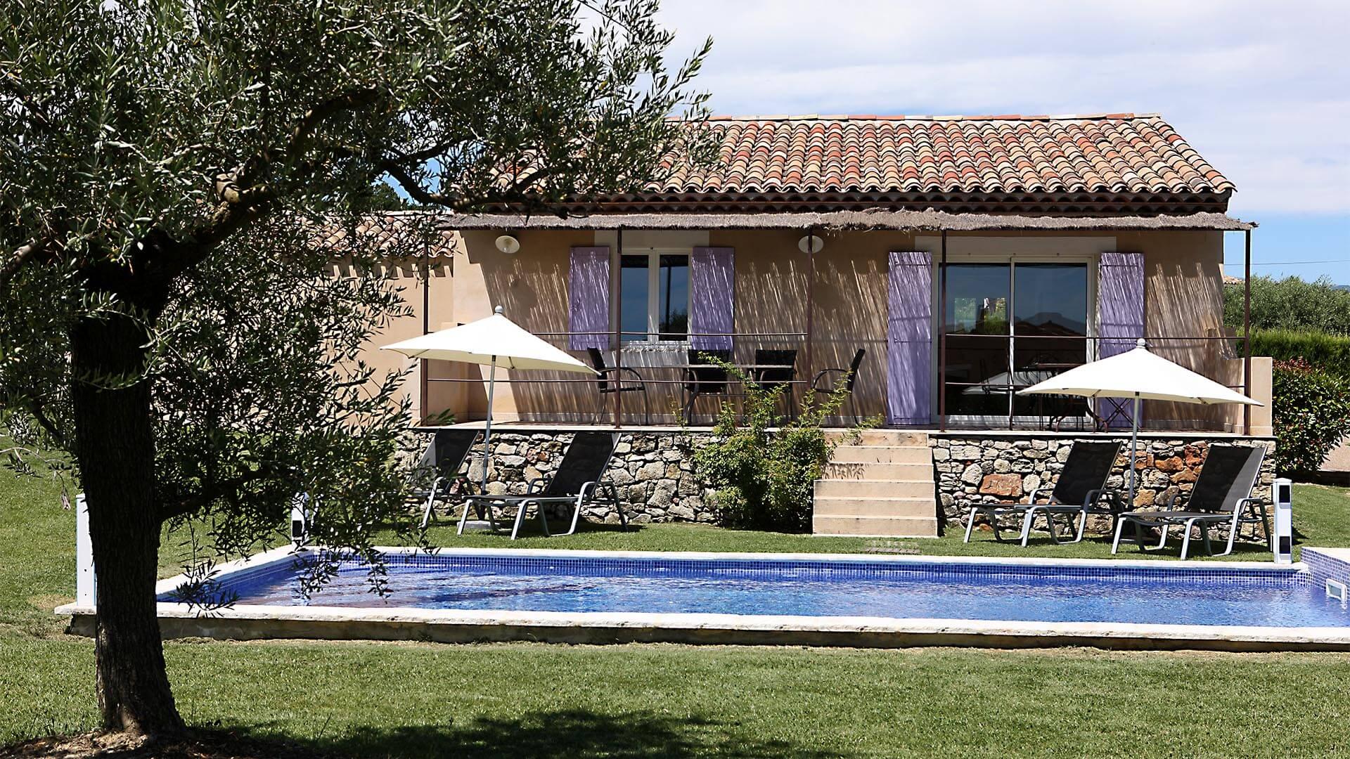 Location villa de vacances Haute Provence | Villa les tournesols | Terrasse et piscine