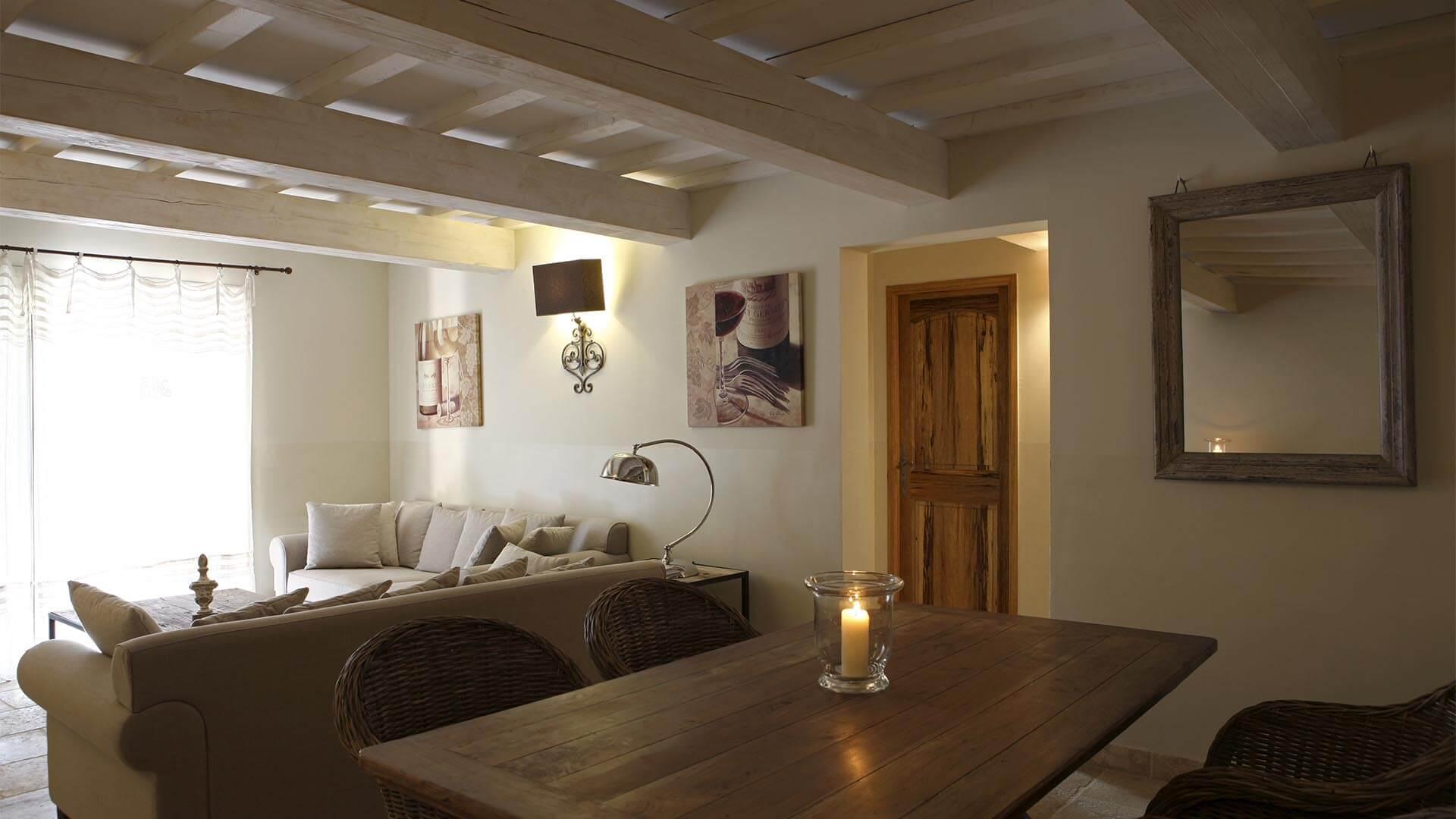 Location vacances 04 | Appartement le jas des collines | Salon avec climatisation