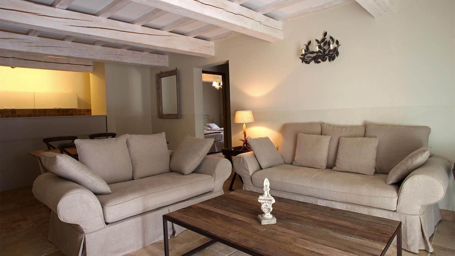 T3 à louer vacances Luberon | Appartement le cabanon pointu | Salon, salle à manger et cuisine américaine