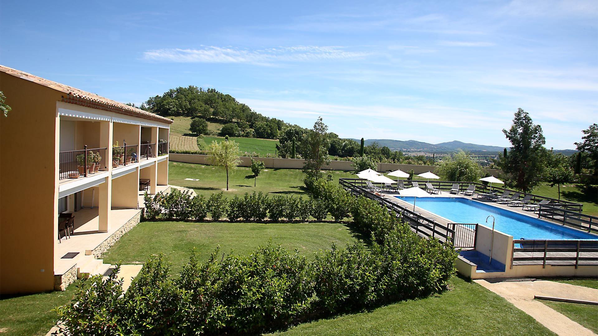 Appartement vacances à louer Provence | Piscine commune